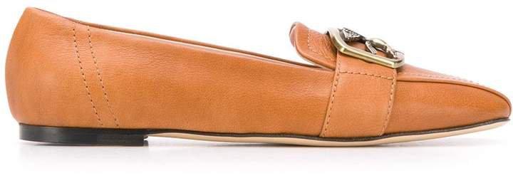low-heel logo plaque loafers