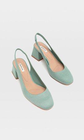 Slingback παπούτσια με τακούνι και τετράγωνη μύτη - Προβολη Ολων γυναικεία | Stradivarius Greek